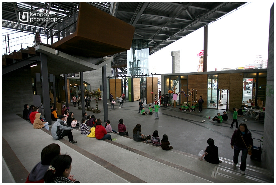 [景點] 宜蘭-休閒&文創的飛機新地標::羅東文化工場(5Y9M+2Y6M)