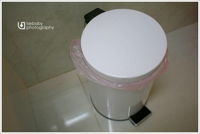 [窩] 開箱-EBAN按壓式附輪垃圾筒