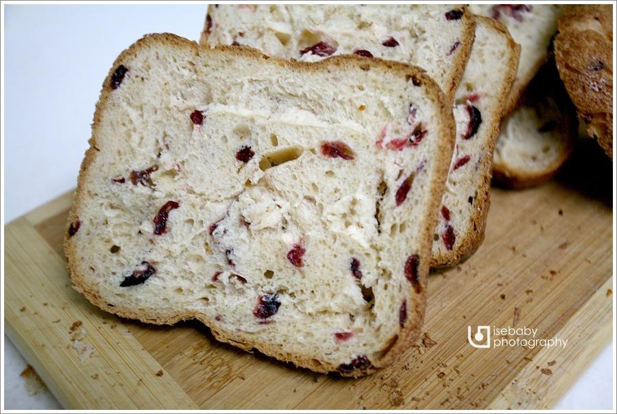 [親子烘焙] 105T麵包機::養樂多蔓越莓土司