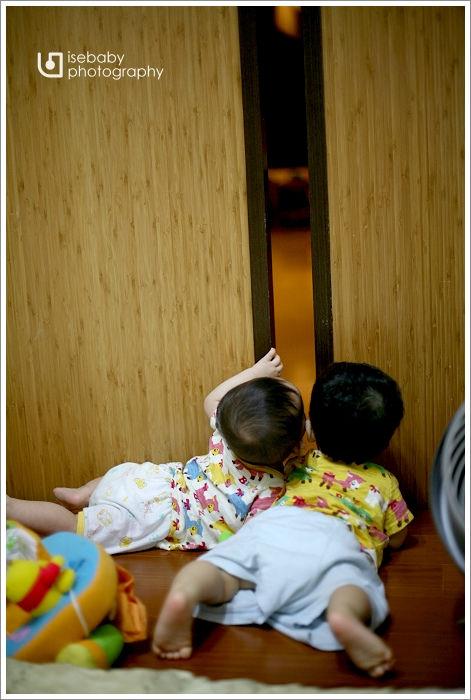 [4Y2M19D+11M12D] 三小家庭的晚間活動
