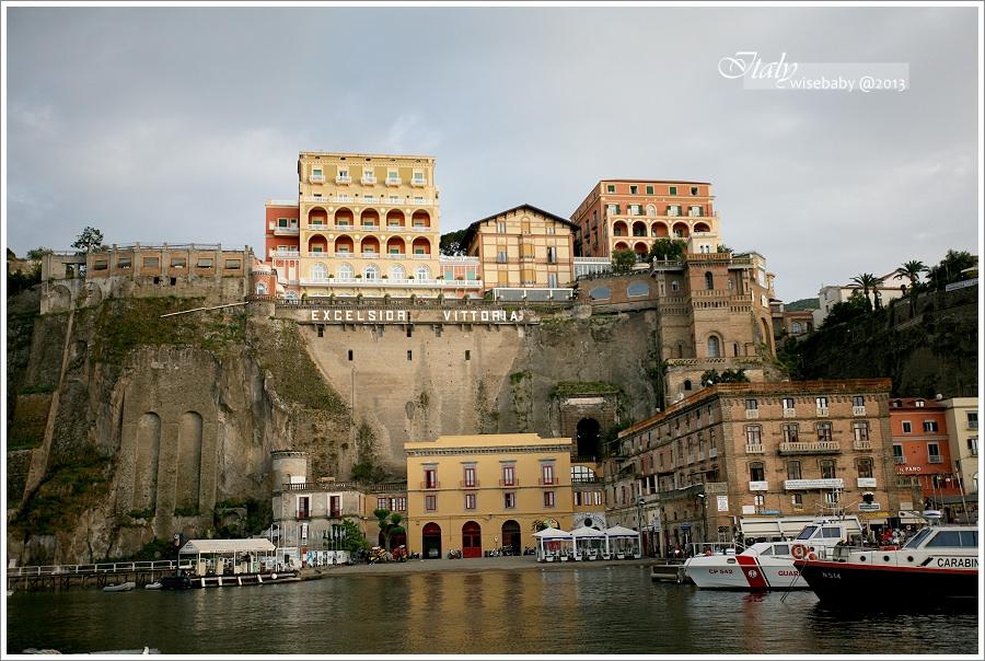 [義大利親子自助] 交通-南義::搭船來回蘇連多<->Capri島