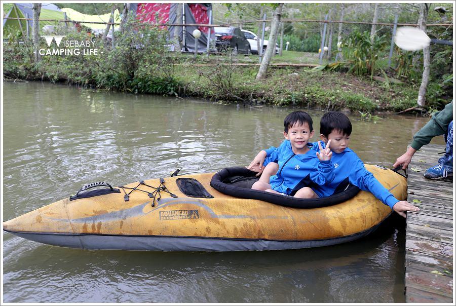露營 | 苗栗三義。山板樵休閒農場.在營地裡划獨木舟