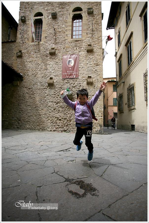 [義大利親子自助] Ryan在義大利跳跳跳JUMP