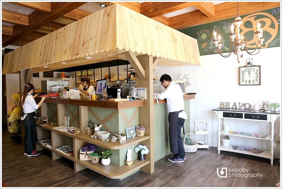 [食記] 台北三峽-鄉村現代風親子餐廳::BRAVO普拉伯義大利坊(三峽店)