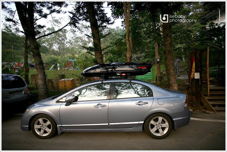 露營 | 開箱。車頂箱YAKIMA SkyBox Pro 16S與車頂架YAKIMA WHISPBAR THROUGH BAR